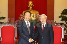 Leader of China's Guangxi region welcomed in Vietnam