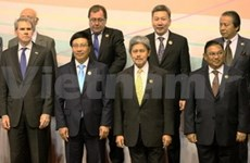 Vietnamese FM active at regional meetings