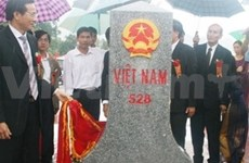 FM hails VN-Laos border marker upgrade