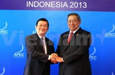 President arrives in Bali for APEC meeting