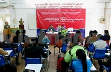 Vietnam assists Laos in training reporters