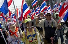 Thai advance voting disrupted by protesters