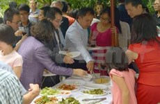 Overseas Vietnamese communities celebrate Tet