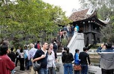 Over 2.6 mln tourists flock to Hanoi during Tet
