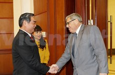 Politburo member receives French party delegation