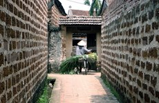 Duong Lam ancient village presented UNESCO award