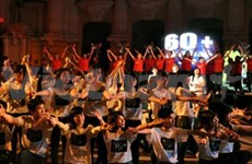 Hanoi busy with 2014 Earth Hour campaign