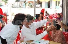 HCM City doctors provide free check-ups in Cambodia