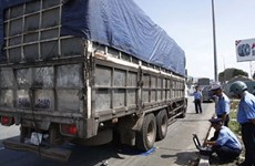 Regulation aims to reduce overloaded container trucks