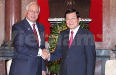 PM Najib Razak urges Malaysian businesses to invest in VN
