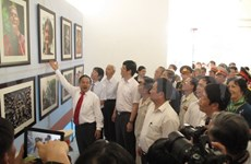 Exhibition featuring Lao people and land opens