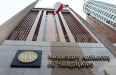Singapore central bank maintains strong dollar