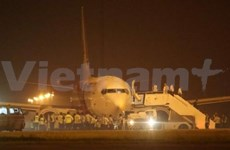 Malaysia Airlines plane makes safe emergency landing