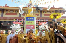 Officials share joy over Buddha's birthday