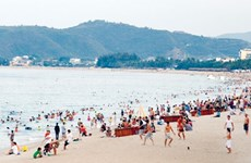 Long holiday offers big break for travel companies