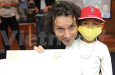 Famous autographs put on show in Hanoi