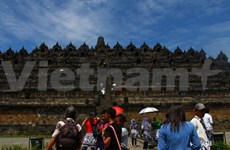 Indonesia widens door for foreign investors to tourism