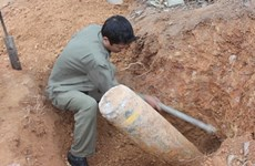 Sappers recover war-era bomb in Ha Tinh