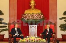 Vietnamese leaders salute Azerbaijan President