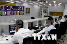 Confident investors drive up indices