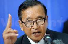 Cambodian opposition again calls for talks over political row