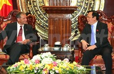France-Vietnam parliamentarians' group welcomed in Hanoi