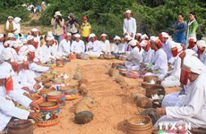 Cham people welcome Ramuwan new year
