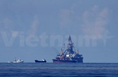 Vietnamese authorities stay strong at oil rig site