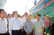 President comforts law enforcement forces, fishermen