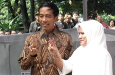 Indonesia: Jakarta governor temporarily leading presidential polls