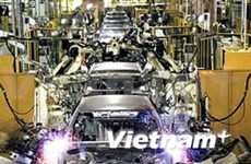 Auto industry strategy looks to world production chain