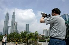 Malaysia confident in luring 28 mln tourists this year