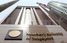 Singapore narrows GDP growth forecast for 2014