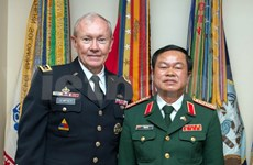 Vietnam, US armies to step up cooperation