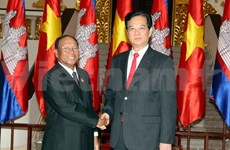Vietnam willing to work with Cambodia for stronger ties: PM