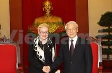 Party leader greets Australian Speaker in salute