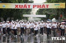 About 1,500 people race in Run for Peace in Hanoi