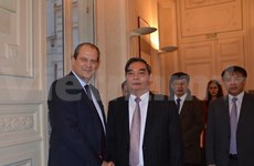 Vietnamese, French communist parties forge links