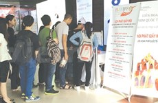 Film festival attracts long queues