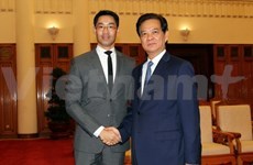 Prime Minister Nguyen Tan Dung receives WEF leader