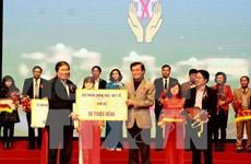 Hanoi benefactors lend hand to HIV/AIDS patients