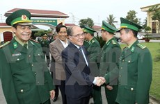 NA Chairman meets with armed force voters in Ha Tinh