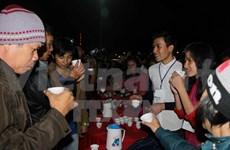 Super tea party draws 4,000 partygoers