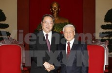 China's top political advisor welcomed in Hanoi