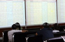 'Lucky cash' rush drags on stocks