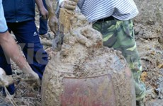 Ancient bronze bell discovered in Hung Yen province