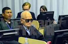Cambodia resumes trial of Khmer Rouge ex-leaders