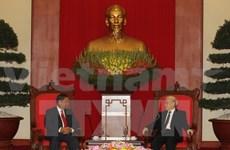 Party General Secretary hosts Lao Deputy Prime Minister