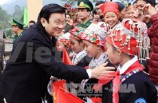 President pays year-end visit to Lao Cai