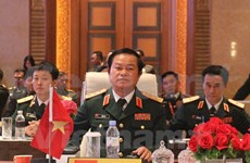 Defence chief meets regional counterparts at ACDFIM